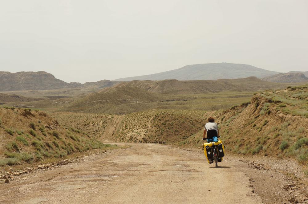 droga-wulkany-janek-jedzie