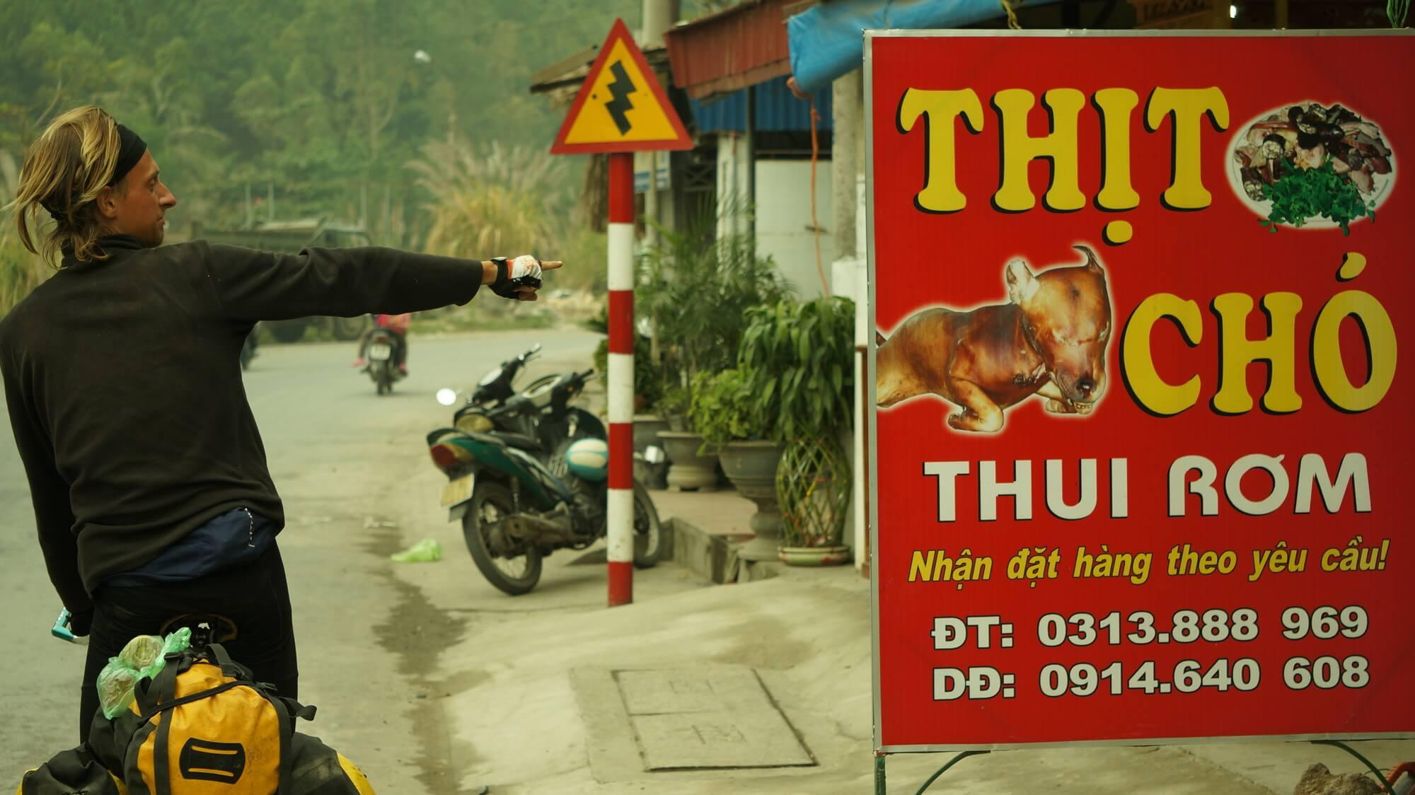 mięso psa - przysmak wielu wietnamskich knajp