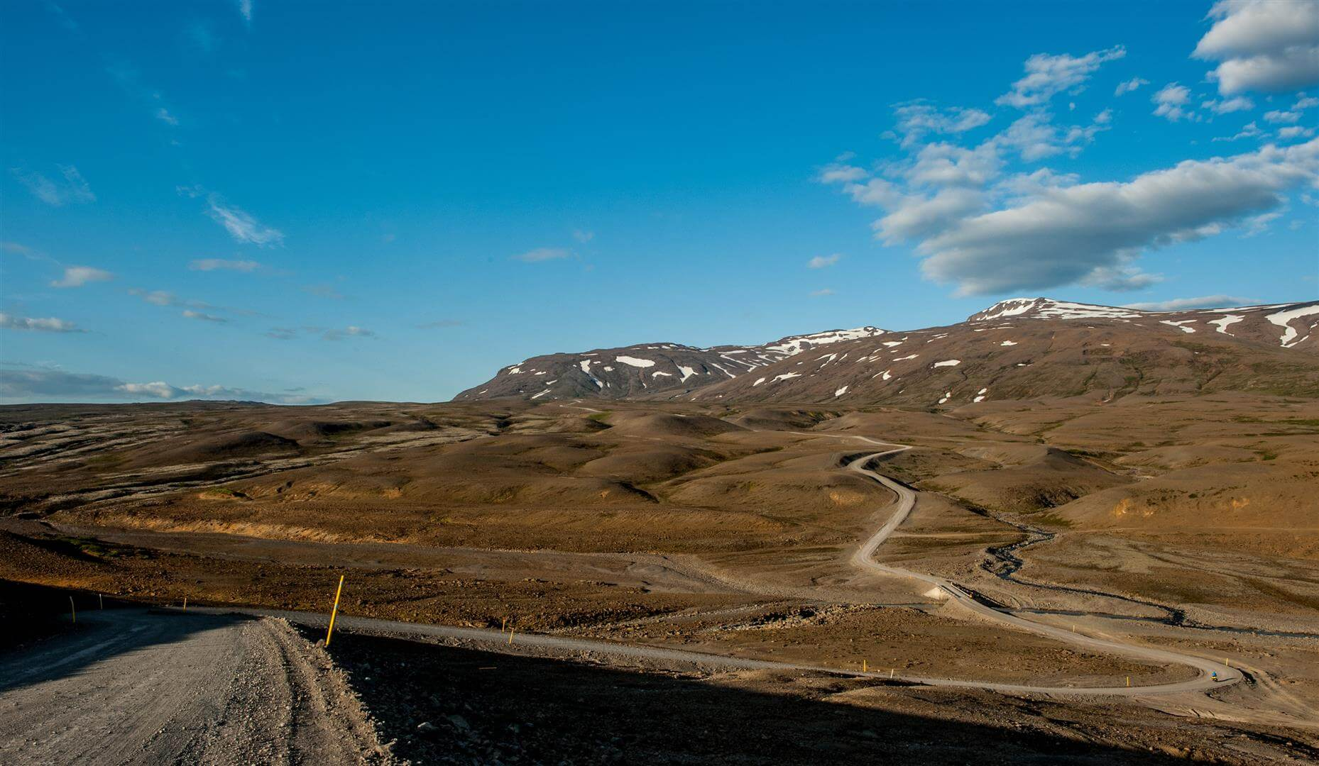 Islandia na rowerze - podjazd pod pierwszą przełęcz na drodze F35
