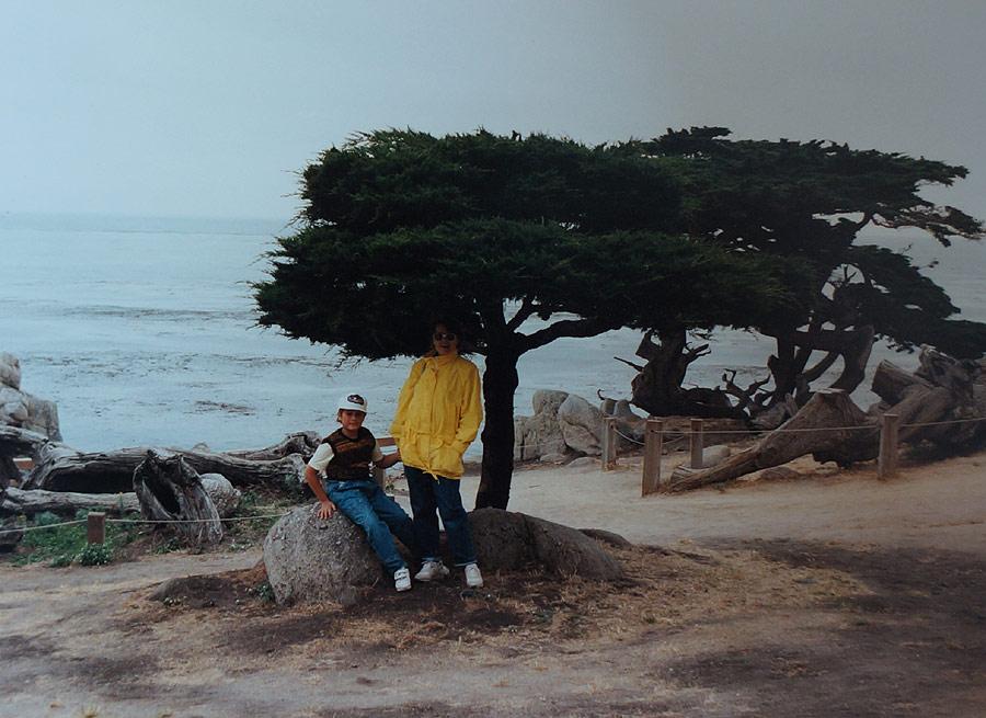 """I wreszcie cel podróży - zatoka Monterey na zachodnim wybrzeżu i Pacyfik! W sumie wyszło grubo ponad osiem tysięcy kilometrów w trzy tygodnie. Facet z wypożyczalni nie mógł uwieżyć - """"Wy Polacy i Rosjanie to jesteście szaleni..."""""""