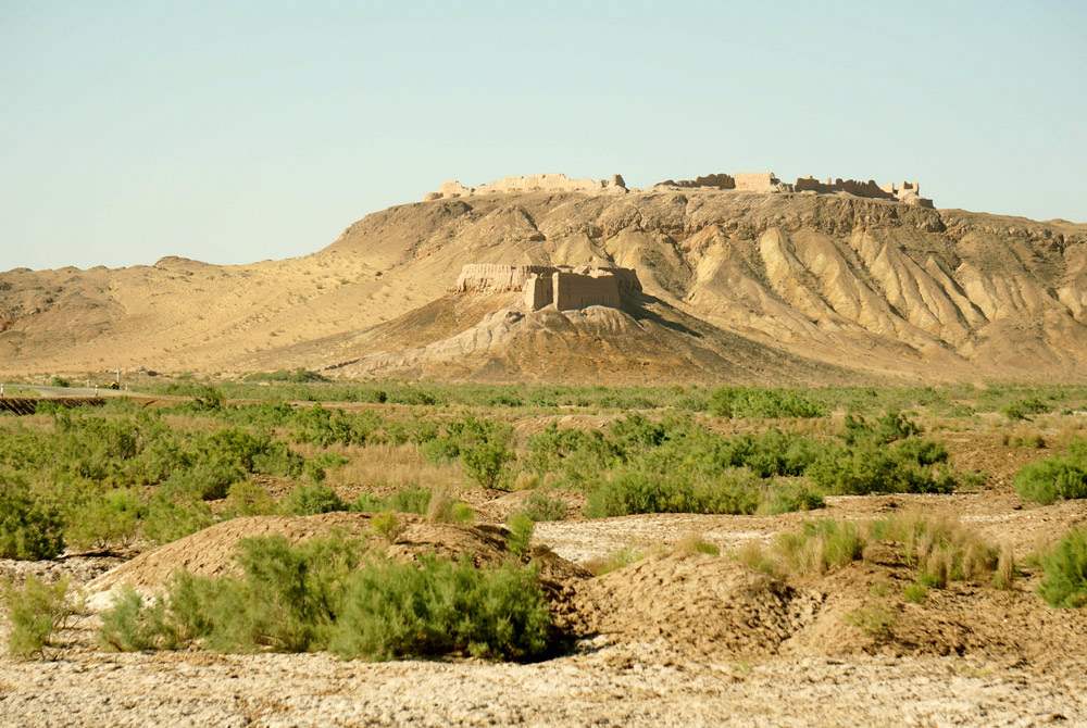 Nagroda za nadłożone dziesiątki kilometrów drogi - górująca nad okolicą Ayaz Kala