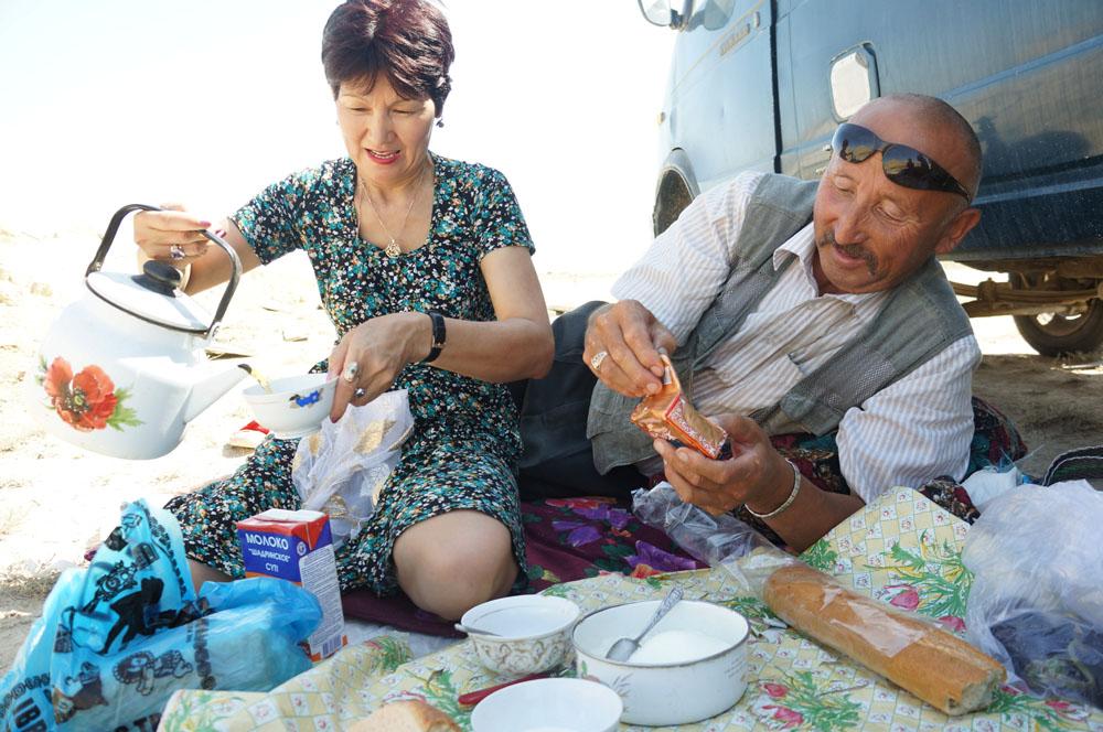 Śniadanie i obowiązkowa herbata po kazachsku