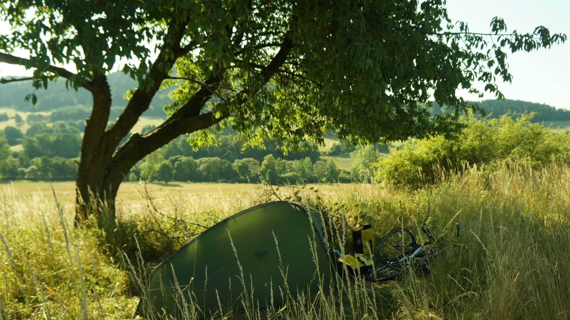 kotlina-klodzka-namiot-wisnia