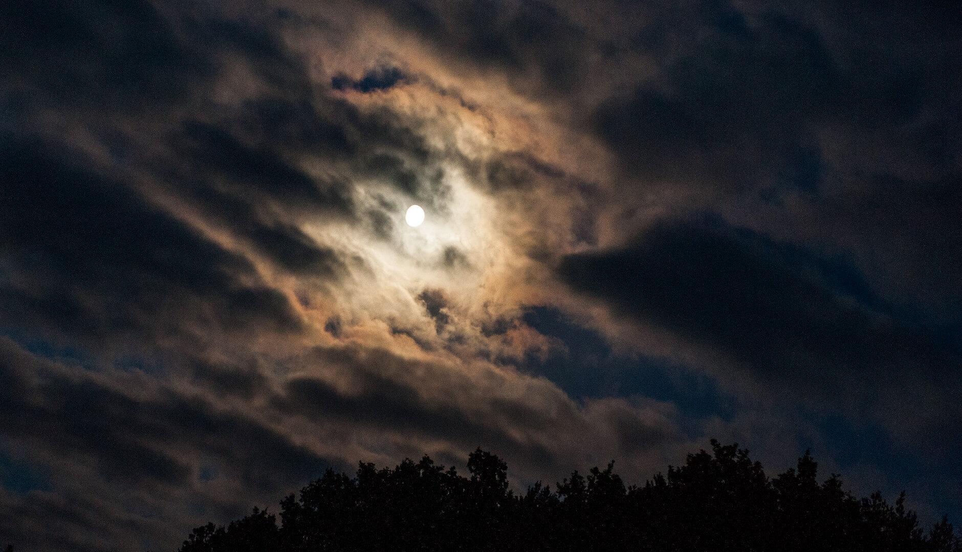 niebo-noc-ksiezyc