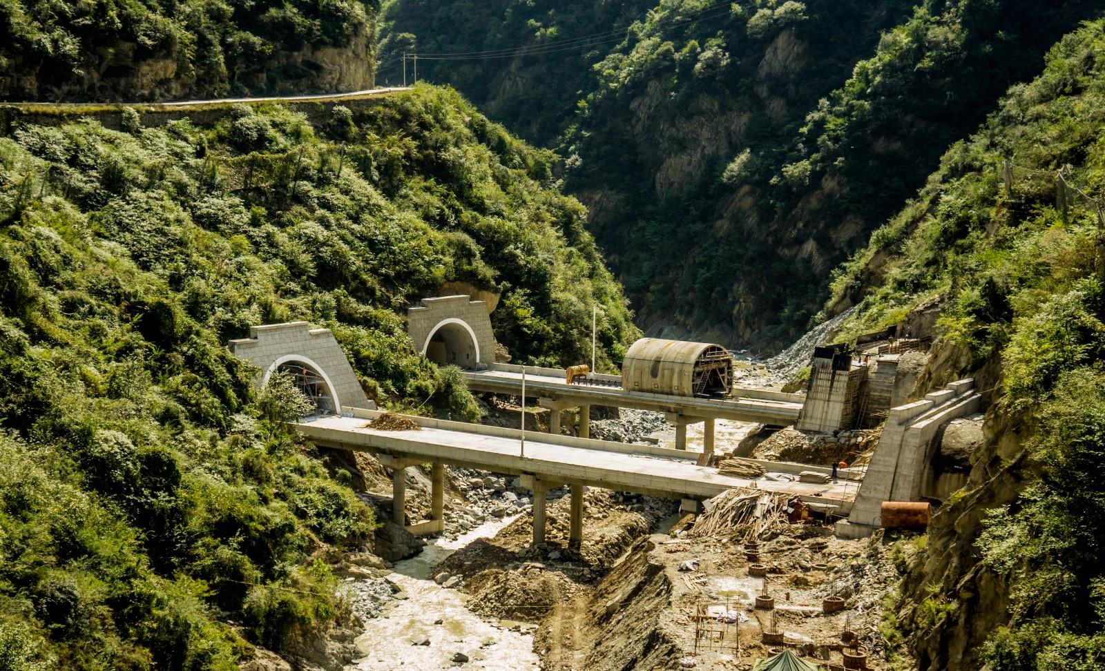 Chiny_autostrada_tunele